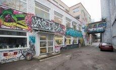 Selle grafitiga kaetud telliskivihoone asemele tuleb uus ja modernne Ursa õppehoone.