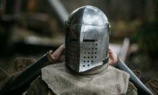 Viikingivõitlus viikingite külas