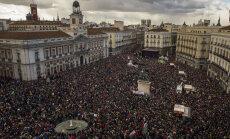 VIDEO: Hispaania radikaalsed vasakäärmuslased on tänavatele meelitanud tohutu rahvamassi