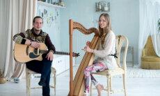 VIDEO: Laula kaasa! Mick Pedaja ja Triin Hio õpetavad meelerahu toovat mantralaulu