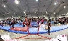 ВИДЕО: Реакция тренера спасла молодую гимнастку от перелома шеи