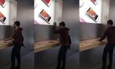 ВИДЕО: Обиженный на Apple француз разбил в магазине десятки iPhone, iPad и Macbook