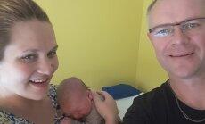FOTOD: 4,4 kg ja 53 cm puhast rõõmu: kaitseminister Hannes Hanso sai taas isaks!