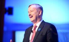 LOE ja VÕRDLE: Miks Siim Kallas peaministriametist loobumist avalikult mitmel erineval moel on põhjendanud?