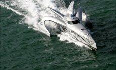 Earthrace oli paat, mis purustas rekordi ümbermaailmareisil, kuid lõpuks ajasid vaalapüüdjad selle põhja.