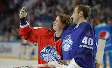 Nikita Gusev (vasakul)