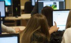 E-õppematerjalid peaksid andma õpilastele suurema vabaduse õppida omas tempos, sest juhendeid saab alati üle vaadata ja kuulata.
