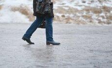 Kümned inimesed murdsid Tallinna tänavatel hommikusel jääl käsi-jalgu