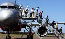 Почему вход в пассажирский самолет всегда слева?
