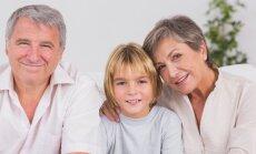 Naisele teeb viha: mu vanemad hellitavad oma lapselapsed täiesti ära, kuigi meie pidime küll väiksena kogu aeg tööd tegema