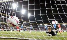 Sergei Pareiko ja terve kaitseliin vaatas nõutult pealt, kuidas Šveits kolm palli Eesti võrku saatis.