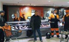 VAHVA VIDEO: Mis juhtub kui kliendid toidupoes järsku laulma hakkavad?
