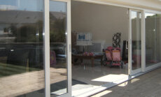 KODUSAADE: Klaaslükanduksed laiendavad tuba terrassile