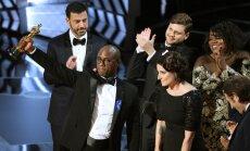 Pärast segadus vale parima filmi Oscarivõitja välja kuulutamisel, sai