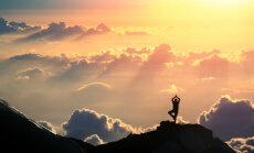 Alkeemia lugemisnurk. Ram Dass: karmajooga laseb igapäevaelu kaudu ühenduda kõiksusega