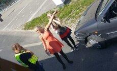 Sõiduauto ja bussi kokkupõrge Tartu bussijaamas