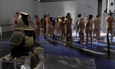 ФОТО. Парижский музей современного искусства открыл двери для нудистов