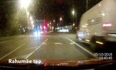 PARDAVIDEO: Kaubiku juht sõidab Tallinnas punase tulega julmalt üle ristmiku