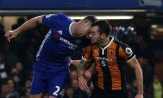 VIDEO: Chelsea ja Hull City mehed põrkasid peadpidi kokku, mäng jäi kauaks seisma
