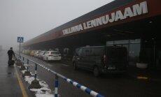 Lennukid tiirutavad uduse lennujaama kohal ja Aerofloti lend suunati ümber Riiga