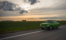 Vanaisa autoga