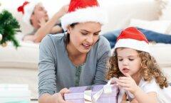 Praktilisi nõuandeid: kuidas korraldada jõuluaeg lapsele, kelle vanemad on hiljuti lahku läinud