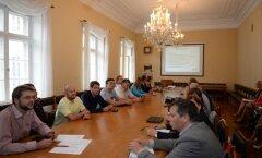 DELFI FOTOD: Sotsid kogunesid arutama Kallase toetamist
