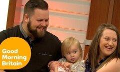Jahmatav VIDEO: Naine sünnitab lapse püsti seistes vähem kui ühe minuti jooksul