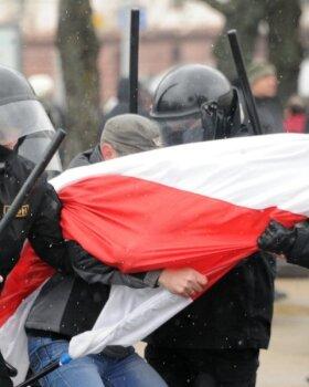 FOTOD ja VIDEO: Valgevene miilits surus opositsiooni meeleavalduse maha