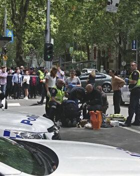 FOTOD JA VIDEO: Melbourne'is sõitis auto jalakäijate hulka: kolm hukkus, vähemalt 29 inimest sai vigastada