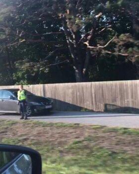 VIDEO SÜNDMUSKOHALT | Harku vallas said kahe auto kokkupõrkes viga mõlema sõiduki juhid