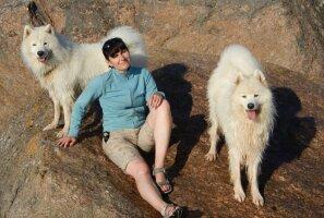 Tuntud Eesti koeratreener annab nõu, kuidas koeraga jalutades ennetada ohtlikke olukordi