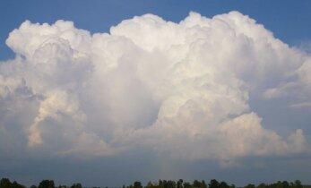 VAATA: Vägev! Jõgeva noormehe pildid valiti ainukesena Eestist maailma meteoroloogiaorganisatsiooni pilveatlasesse