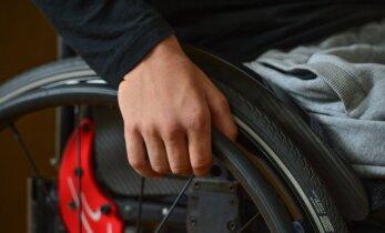 Rõivas: valitsus otsustas anda lisaraha puuetega inimeste soodushinnaga abivahendite jaoks