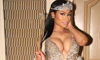 FOTOD: Kes kehastus kiisukeseks, kes Kardashianiks? Vaata staaride vingeid Halloweeni muutumisi!