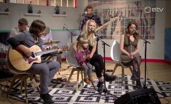 ARMSAD FOTOD: Esimene intervjuu! Lenna Kuurmaa laulumaias pisitütar Ami tegi Anu Välba saates teledebüüdi