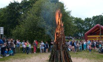 ФОТО: Смотрите, как праздновали Иванову ночь в Нарва-Йыэсуу