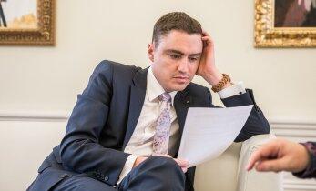 Lobjakas presidendiks pürgijate heitlusest Reformierakonnas: Rõivas ei kontrolli olukorda