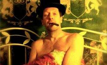 KUNSTNIKUSUU: VAU!!! Mis toimub Ivo Uukkivi magamistoas???