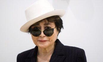Yoko Ono tervis jukerdab: 83-aastane vanadaam viidi haiglasse