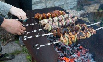 Hoidu vähitekitajatest: kuidas grillida liha ja kala nii, et need ei kõrbeks?