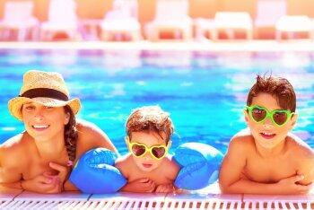 Tervisenõuanded, mis kindlustavad, et lastega ette võetud soojamaareis kujuneb toredaks puhkuseks