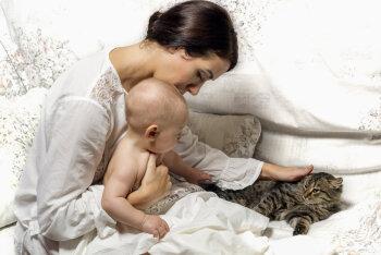 Teadlased: emadus muudab naise aju kogu eluks