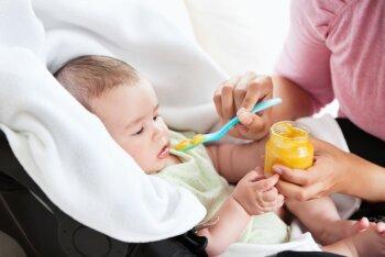 Milleks lusikas: beebid söövad paremini, kui end ise toidavad