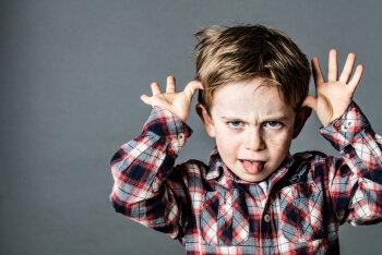 Tõestatud: mida rohkem sa ninapidi nutitelefonis oled, seda halvemini su laps käitub!