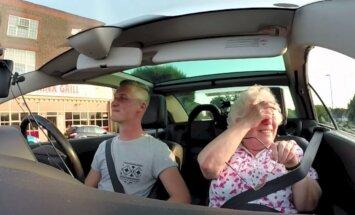 VIDEO: Liigutav! Lapselapse sünnipäevaüllatus paneb vanaema minutiteks õnnepisaraid valama
