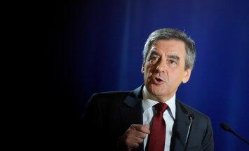 Eelkõige lubab François Fillon kärpida riigiaparaati, reegleid ja makse ning kaotada tööpuuduse.