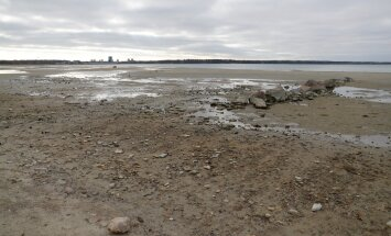 DELFI FOTOD: Karged tuuled on Stroomi rannast merevee kaugele ära puhunud, veetase alaneb veelgi