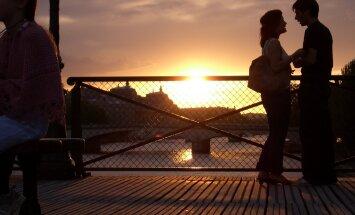 Naisteka horoskoop: esmaspäeval on energia veel nurka surutud, kuid kesknädalast läheb suuremaks romantikaks!