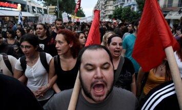 KREEKA KRIISI OTSEBLOGI:  Eurogrupp enne referendumit süüdistusi pilduva Kreeka valitsusega läbi ei räägi
